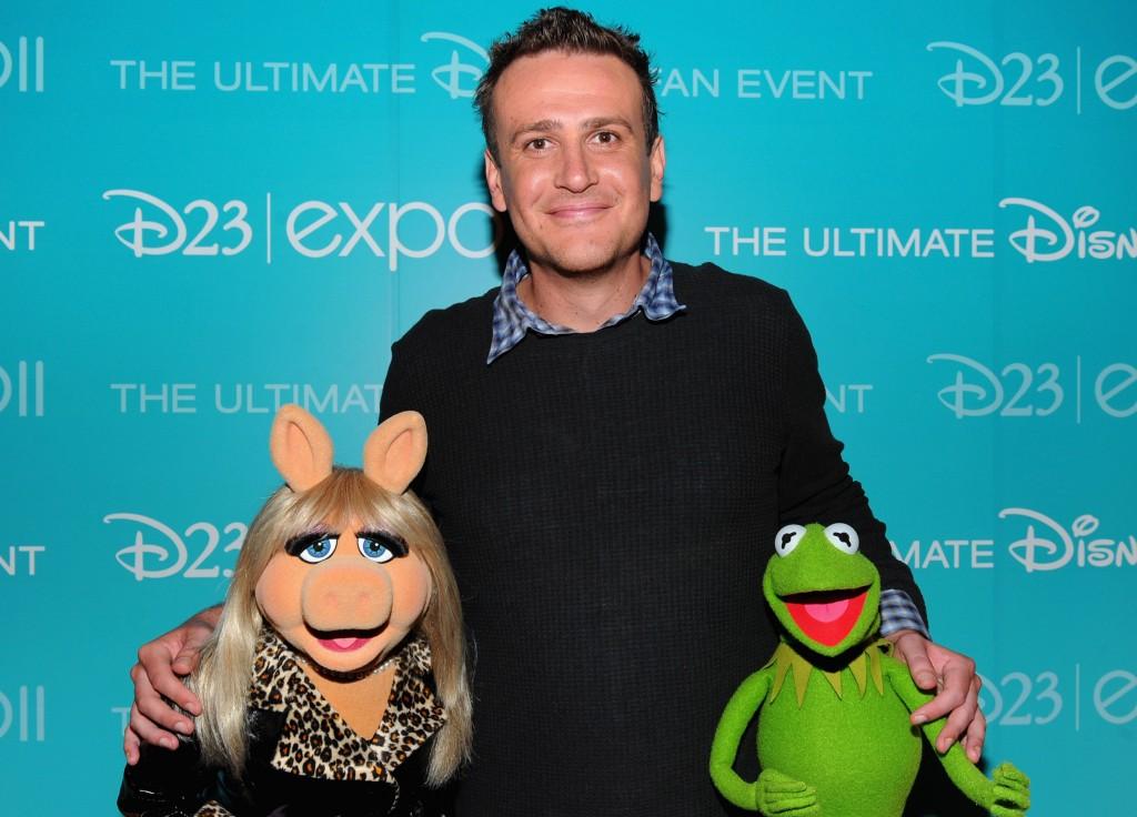 Miss Piggy, Jason Segel and Kermit