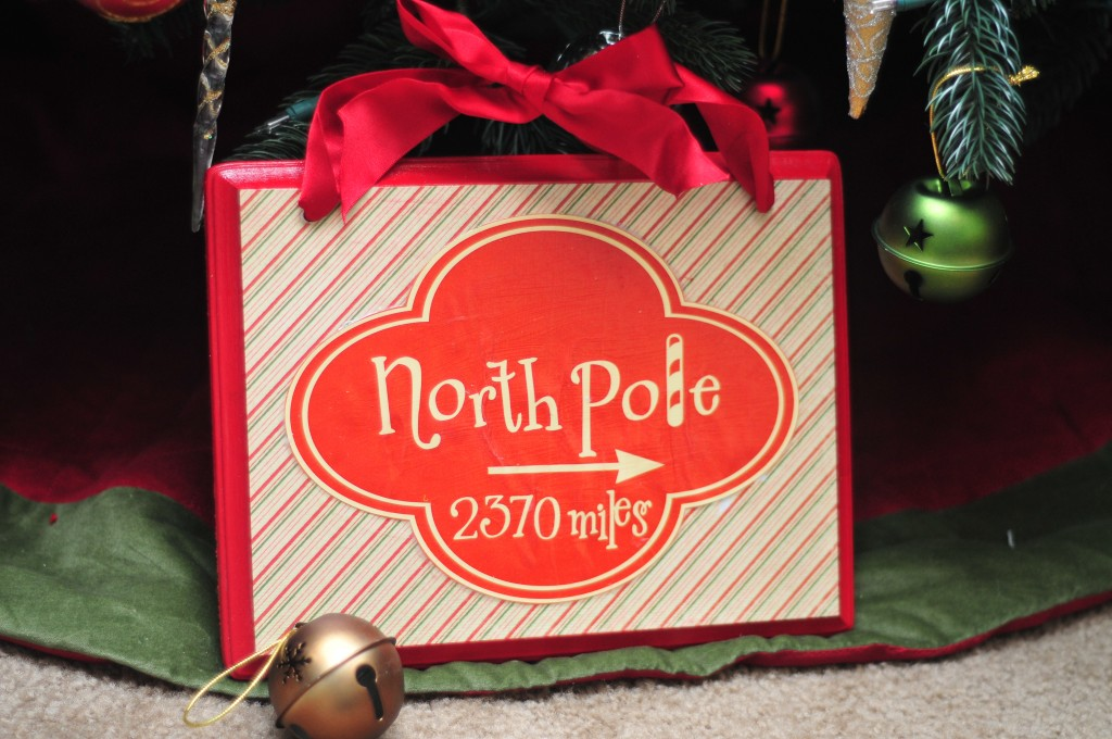 Make your own North Pole Sign!