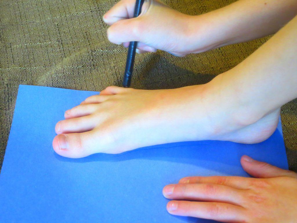 Dr Seuss Craft Tracing Foot