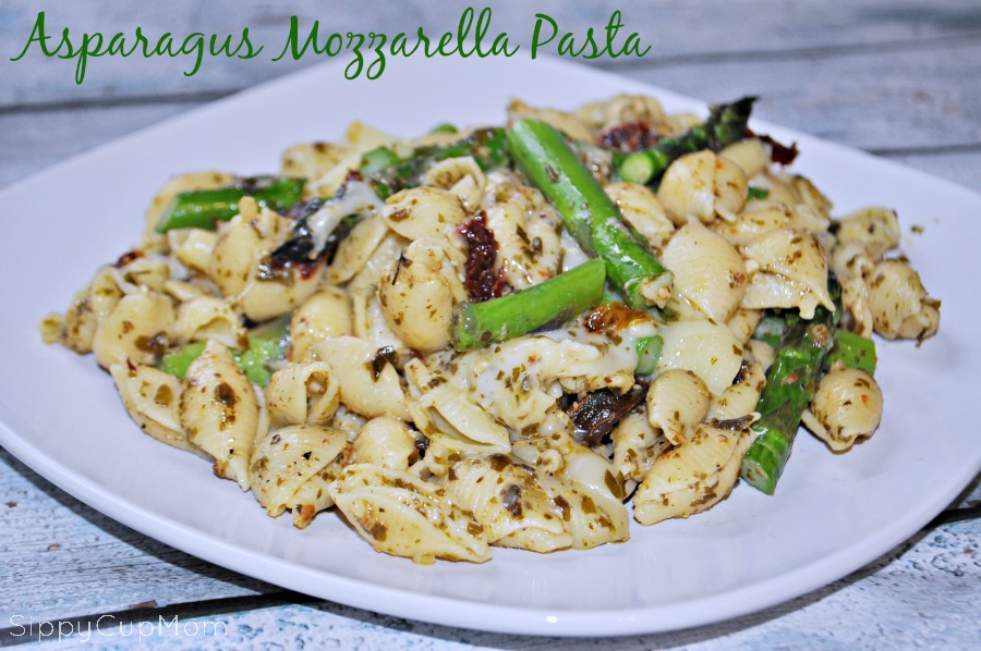 Asparagus and Mozzarella Pesto Pasta - Sippy Cup Mom