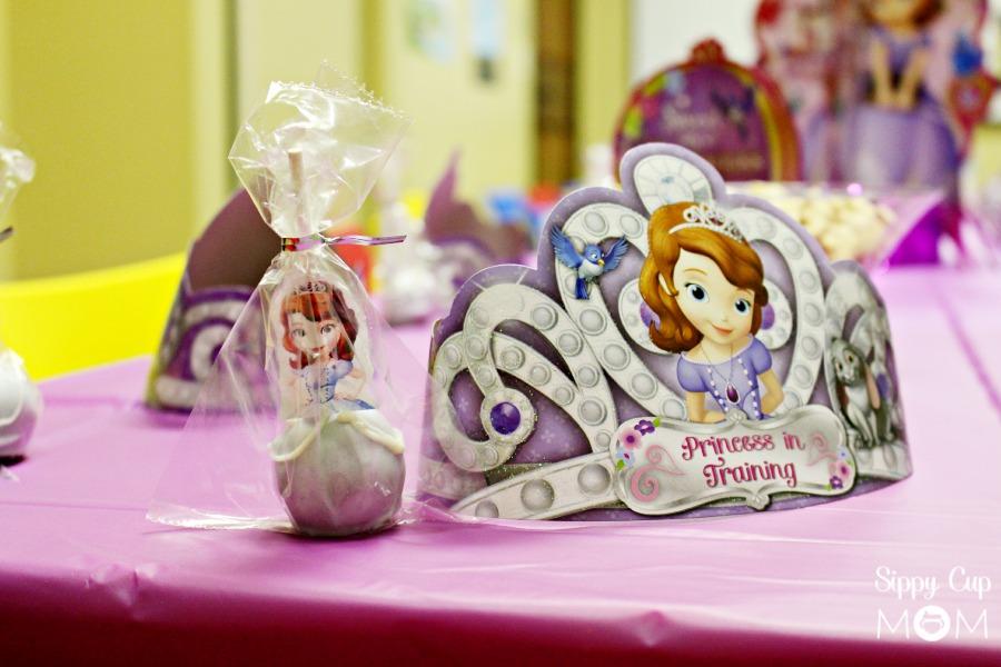 Sofia Tiara and Cake Pop