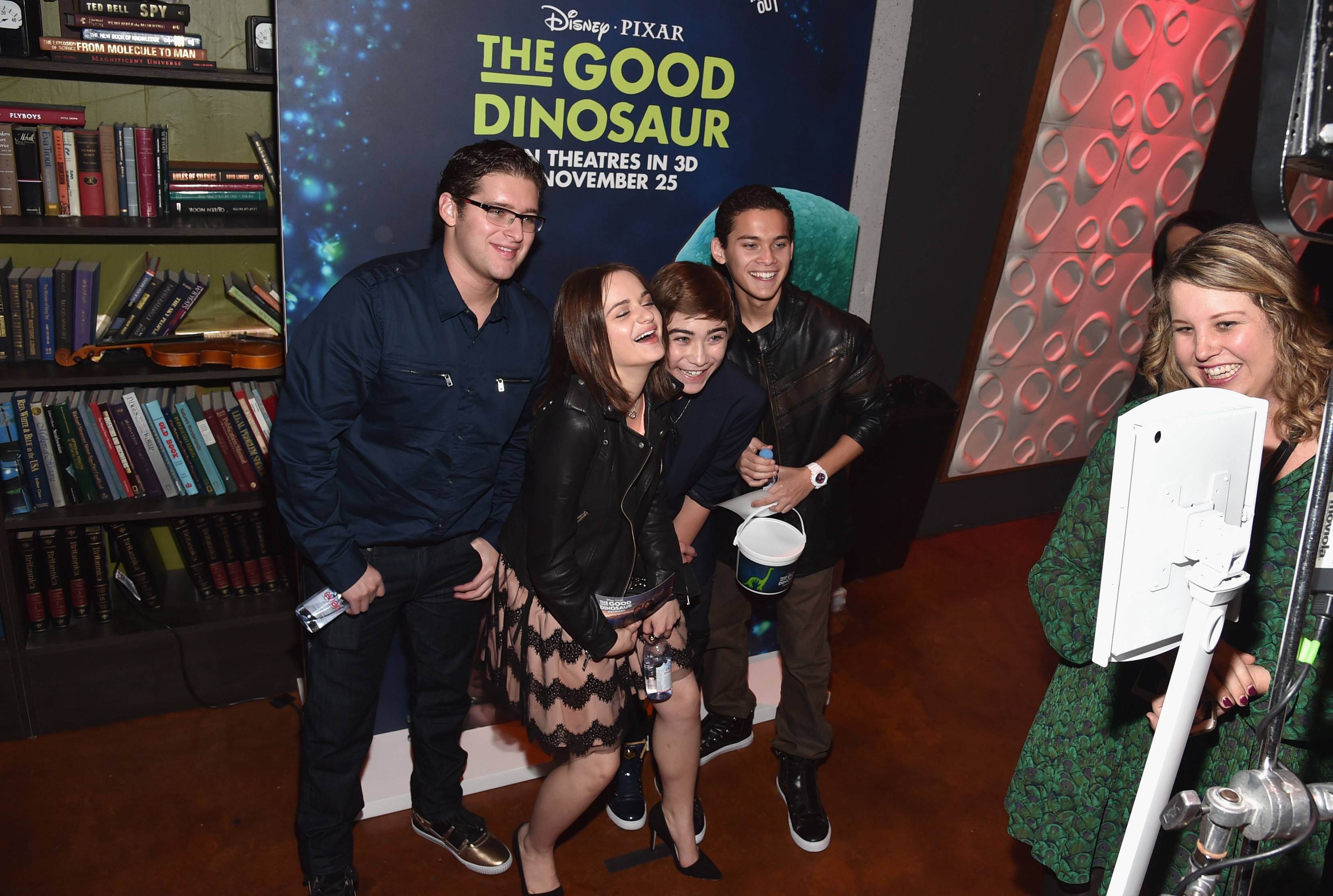 HOLLYWOOD, CA - NOVEMBER 17: Actors Joey King, Raymond Ochoa (center) and guests attend the World Premiere Of Disney-Pixar's THE GOOD DINOSAUR at the El Capitan Theatre on November 17, 2015 in Hollywood, California. (Photo by Alberto E. Rodriguez/Getty Images for Disney) *** Local Caption *** Joey King; Raymond Ochoa