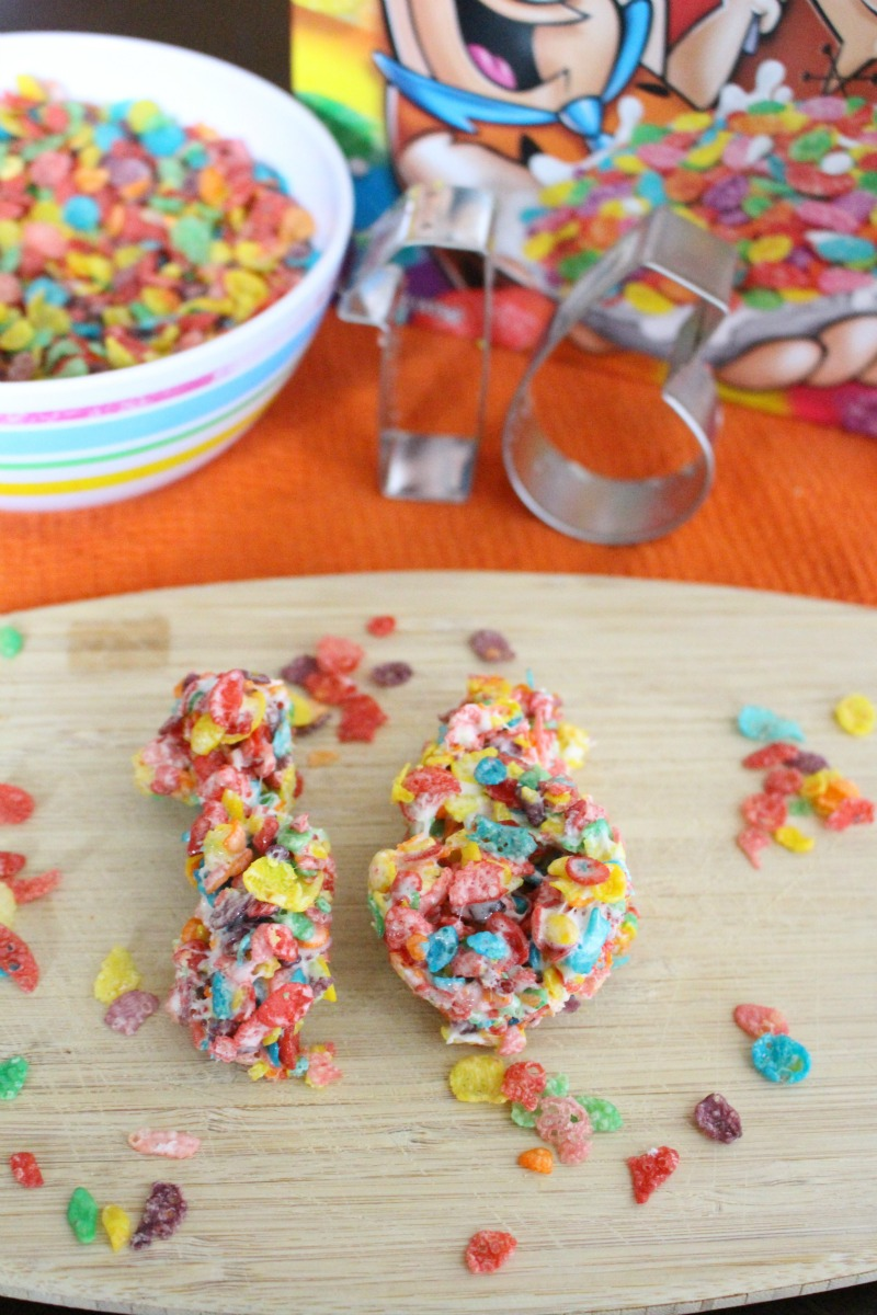 2016 Fruity Pebbles Treats