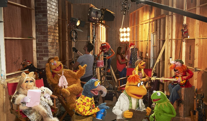 ABC/Bob D'Amico - MISS PIGGY, PEPE THE KING PRAWN, FOZZIE BEAR, THE GREAT GONZO, ANIMAL, SCOOTER, JANICE, KERMIT THE FROG, FLOYD PEPPER