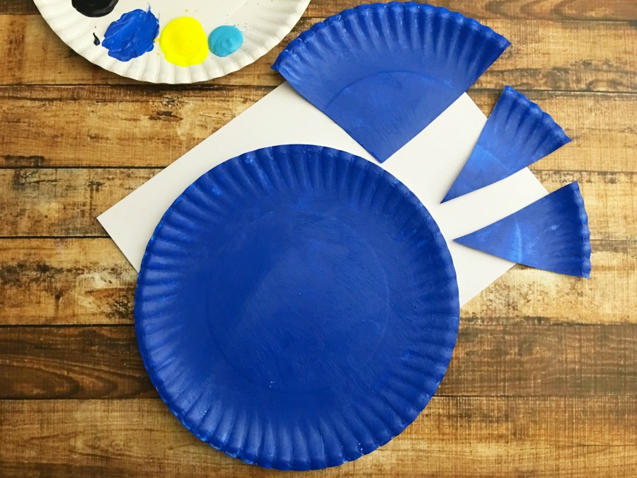 Finding Dory Paper Plate Step 1