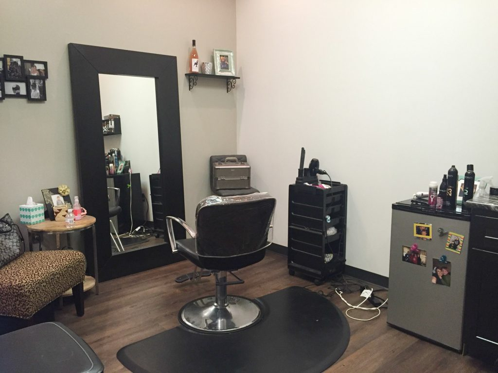 -Maplewood Beauty Bar Room