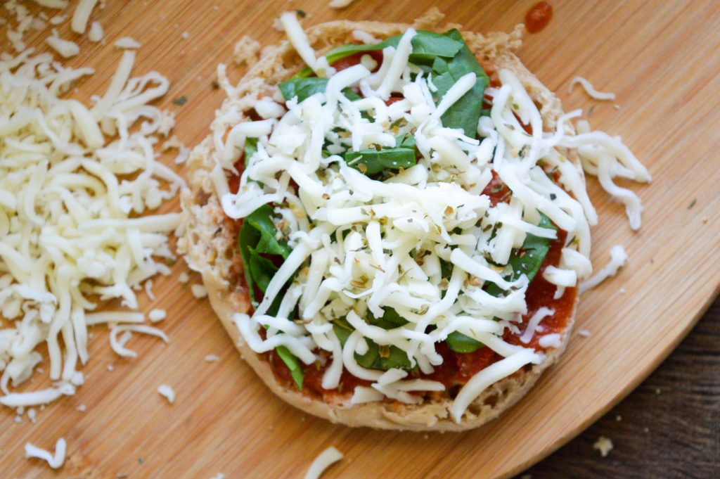 Mini Spinach and Cheese Whole Wheat Pizzas
