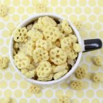 One Minute Vanilla Honeycomb Mug Cake