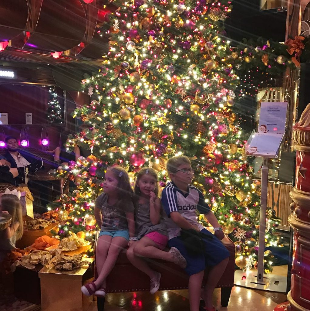 Christmas Carnival Cruise.Celebrating The Holidays On A Carnival Cruise Sippy Cup Mom