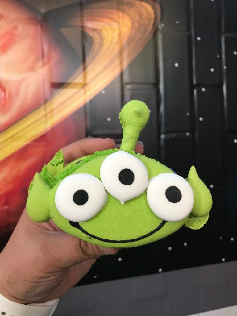 Alien Macaron