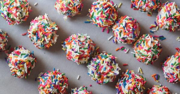 Zoomberry Cake Balls