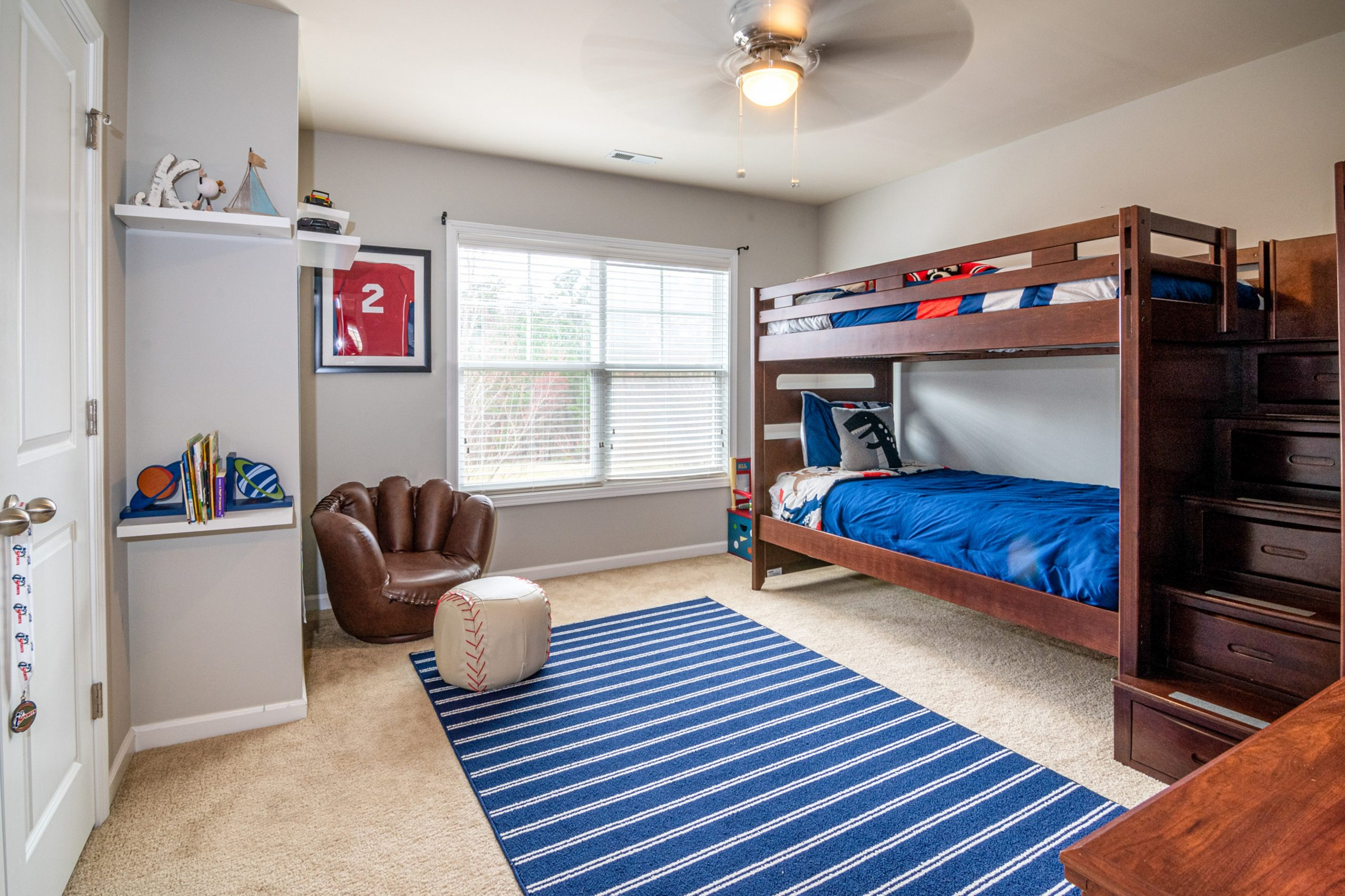 Picture of: Coolest Bedroom Decor Ideas With Bunk Beds Sippy Cup Mom